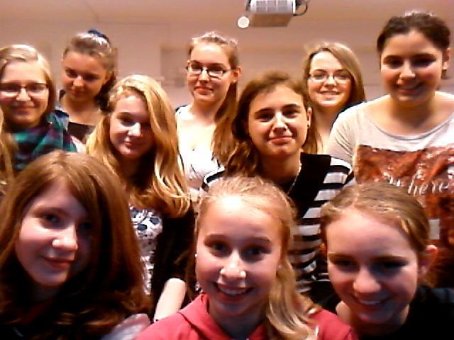 7.b lányok